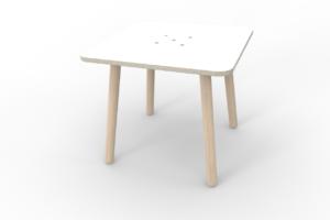 weißer kleiner quadratischer Kinderspieltisch aus Holz von pure position
