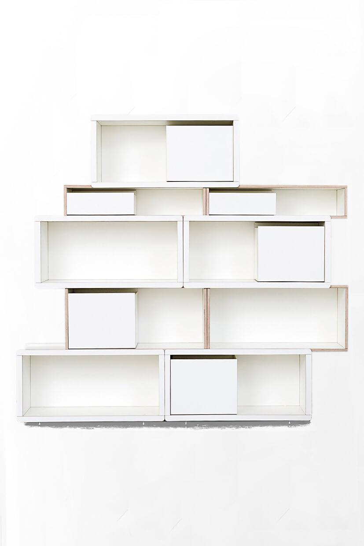 weiß lackerter brick for kids Regal in Vorderansicht mit weißem Hintergrund