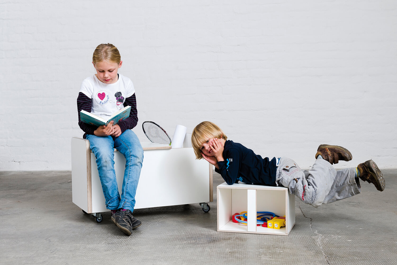 rollbare Spielzeugtruhe für Kinder weiß aus Holz von pure position